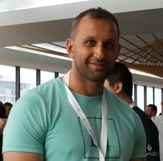 Виталик Бутерин заявил, что его отец является создателем биткоина